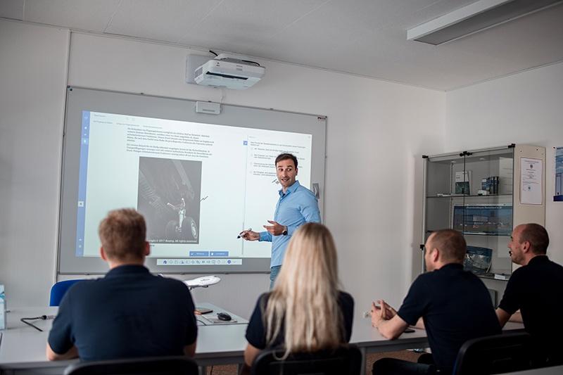 Unterricht Motorflugschule Egelsbach GmbH