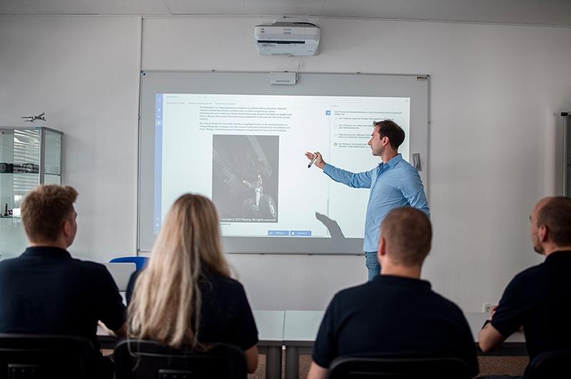 Der Unterricht zum Erwerb der PPL(A) erfolgt durch ein modernes Schulungskonzept